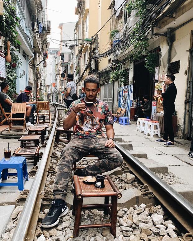 """Có gan mới dám ghé 3 con phố đường tàu nổi tiếng khắp châu Á: Xóm Phùng Hưng ở Hà Nội là """"đáng sợ"""" nhất! - Ảnh 6."""