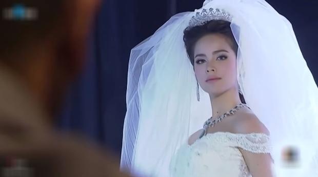 Cẩm nang catwalk của nữ thần phim Thái: Xuất thần thế này thí sinh Next Top Model cũng phải chào thua! - Ảnh 6.