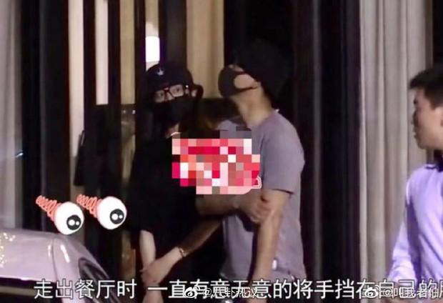 Nhìn La Tấn không cho Đường Yên tự mở cửa xe, cưng bà xã như trứng mỏng mới thấy đây là couple ngọt nhất Cbiz hiện tại - Ảnh 2.