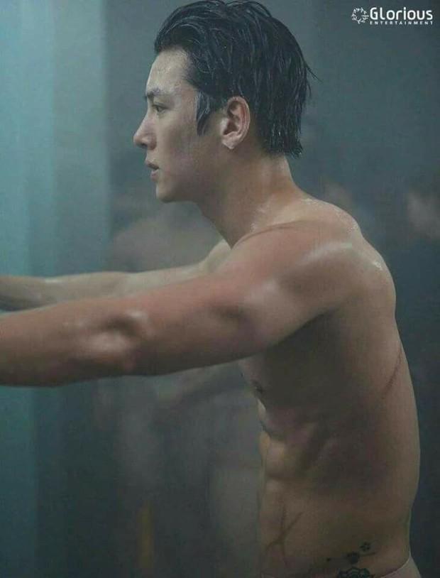 """Mướt mắt với dàn nam thần hành động xứ Hàn: Lee Min Ho đẹp """"như sương như hoa"""", Lee Seung Gi cuồn cuộn cơ bắp """"điếng người"""" - Ảnh 13."""