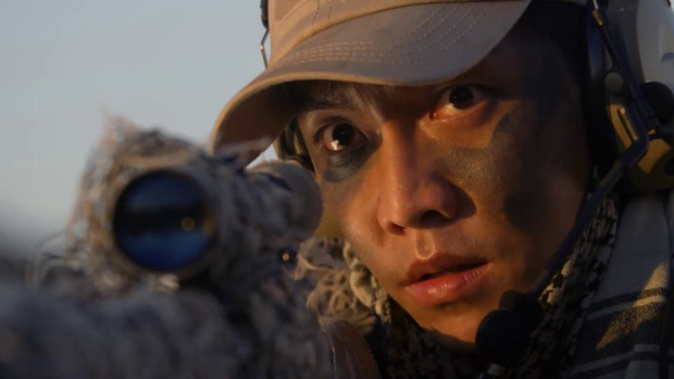 """Mướt mắt với dàn nam thần hành động xứ Hàn: Lee Min Ho đẹp """"như sương như hoa"""", Lee Seung Gi cuồn cuộn cơ bắp """"điếng người"""" - Ảnh 15."""