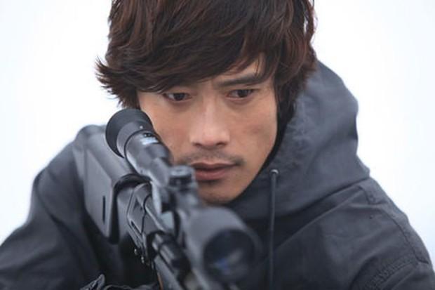 """Mướt mắt với dàn nam thần hành động xứ Hàn: Lee Min Ho đẹp """"như sương như hoa"""", Lee Seung Gi cuồn cuộn cơ bắp """"điếng người"""" - Ảnh 4."""