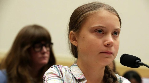 Giật mình nhận ra cái lườm của Greta Thunberg dành cho TT Donald Trump từng được xi nhan ở The Simpsons? - Ảnh 1.