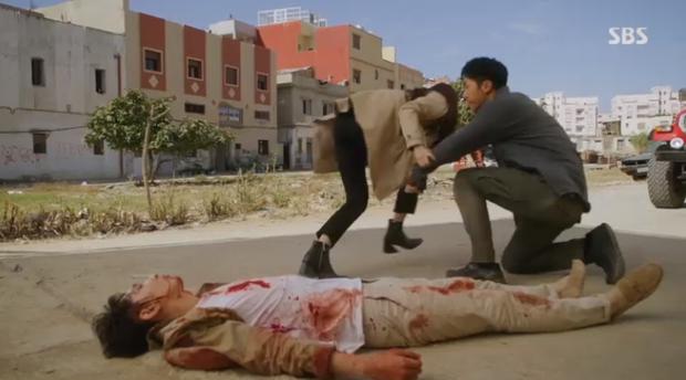 Vagabond tập 3: Vừa xem vừa thở oxi nhìn Lee Seung Gi và Suzy bị kẻ giấu mặt truy sát! - Ảnh 10.