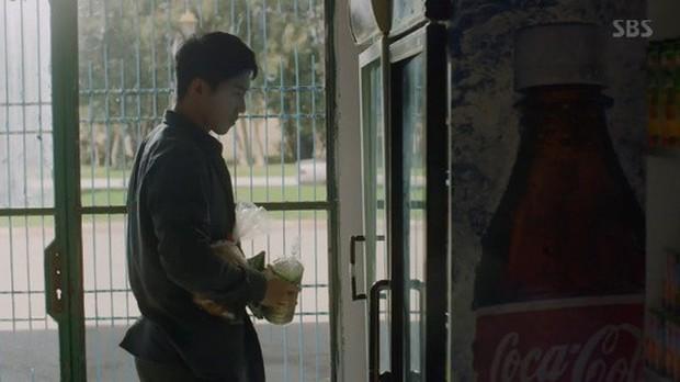 Vagabond tập 3: Vừa xem vừa thở oxi nhìn Lee Seung Gi và Suzy bị kẻ giấu mặt truy sát! - Ảnh 2.