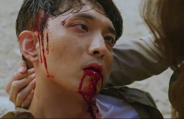 Vagabond tập 3: Vừa xem vừa thở oxi nhìn Lee Seung Gi và Suzy bị kẻ giấu mặt truy sát! - Ảnh 9.