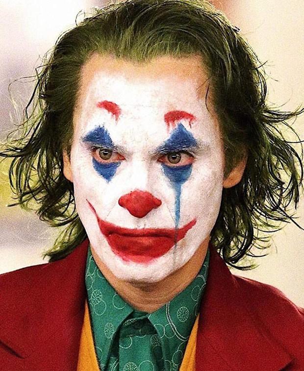 Lo ngại rủi ro xả súng, quân đội Mỹ phải thắt chặt an ninh buổi công chiếu Joker - Ảnh 4.
