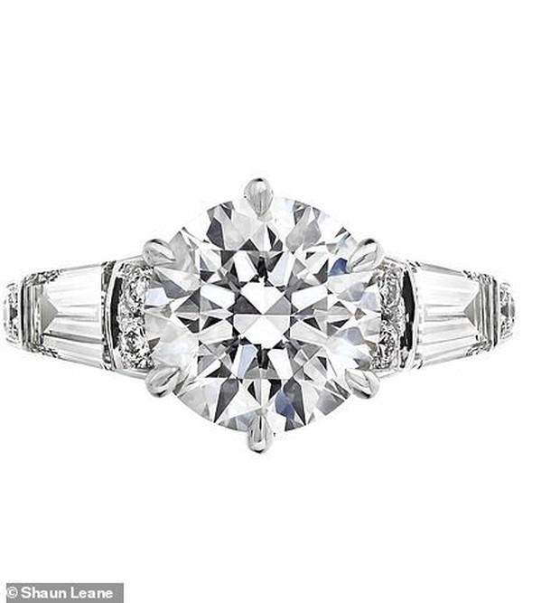 Nàng công chúa thị phi nhất Hoàng gia Anh khoe nhẫn đính hôn 3,2 tỷ đồng, chuẩn bị lên xe hoa với chồng triệu phú - Ảnh 5.
