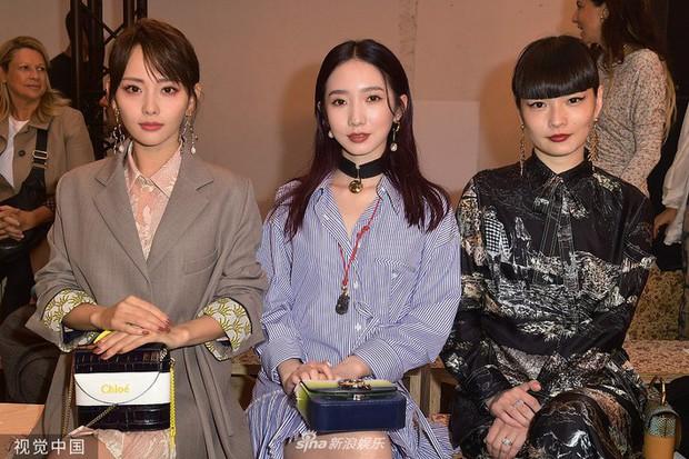 """""""Mỹ nhân đẹp nhất Diên Hi Công Lược"""" tại Paris Fashion Week: Style đẳng cấp, thần thái kiêu sa lấn át cả đàn em đi cùng - Ảnh 5."""