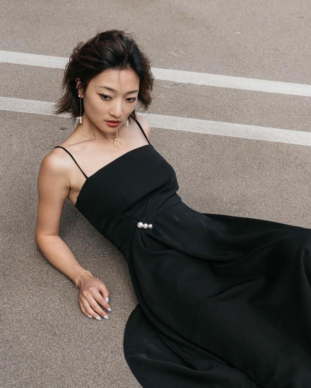 Nhờ một mẫu váy: Hà Tăng, Phạm Quỳnh Anh và Đàm Thu Trang khiến người ta nín lặng trước vẻ sexy và sang chảnh tột bậc - Ảnh 8.