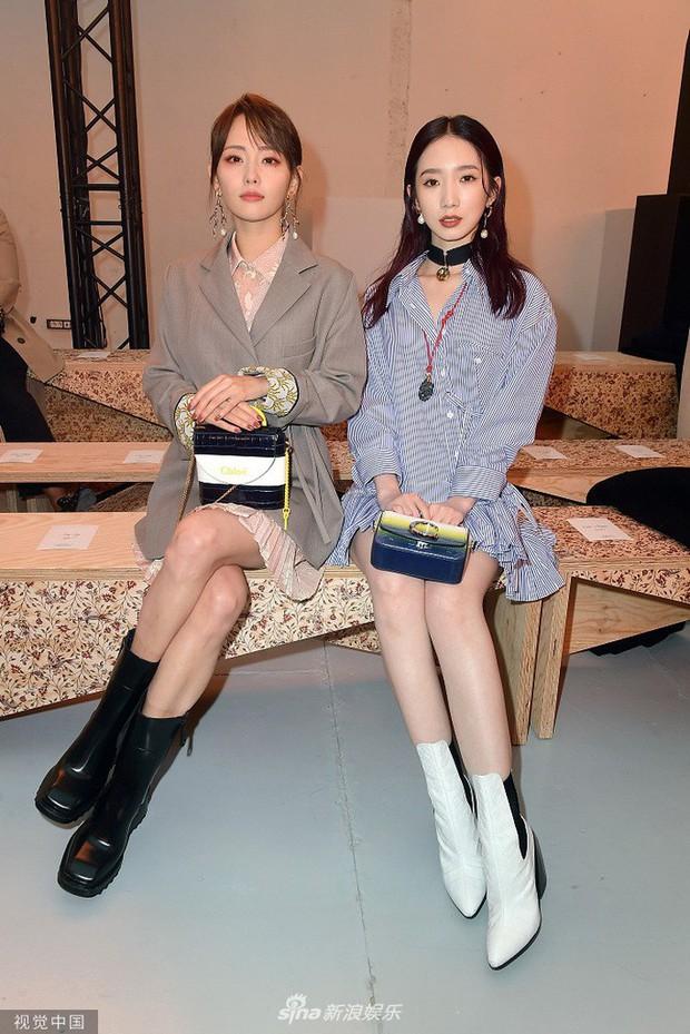 """""""Mỹ nhân đẹp nhất Diên Hi Công Lược"""" tại Paris Fashion Week: Style đẳng cấp, thần thái kiêu sa lấn át cả đàn em đi cùng - Ảnh 6."""