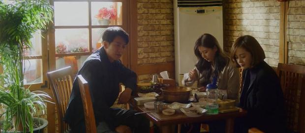 Vagabond tập 4: Suzy mượn rượu tỏ tình rồi đè nam phụ Shin Sung Rok ra cưỡng hôn? - Ảnh 2.