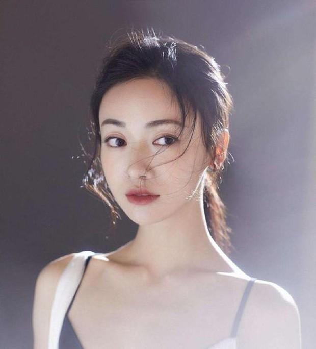 Nhan sắc dàn mỹ nhân Cbiz hồi mới vào Học viện Điện ảnh Bắc Kinh: Natra và Cổ Lực Na Trát gây bão, Dương Tử khó đỡ - Ảnh 12.