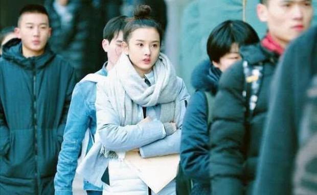 Nhan sắc dàn mỹ nhân Cbiz hồi mới vào Học viện Điện ảnh Bắc Kinh: Natra và Cổ Lực Na Trát gây bão, Dương Tử khó đỡ - Ảnh 1.