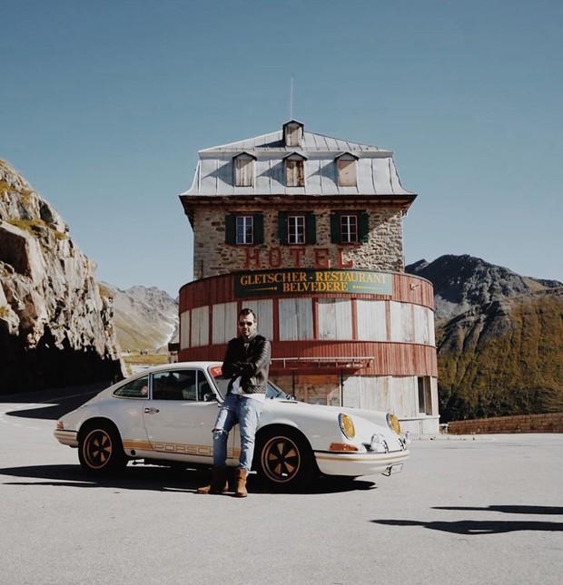 Khách sạn 4 mặt tiền nằm cheo leo trên con dốc cao 2.429 m trên đỉnh núi Alps chính là nơi hoàn hảo dành cho hội ghét cả thế giới!  - Ảnh 8.