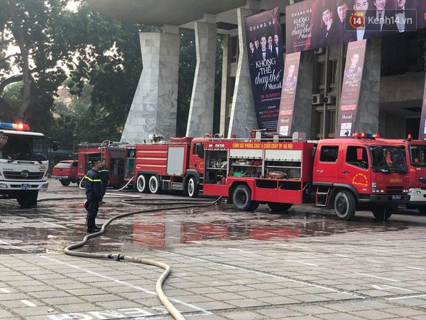Hà Nội: Cháy dữ dội tại Cung văn hoá hữu nghị Việt Xô trước liveshow ca nhạc lớn - Ảnh 3.