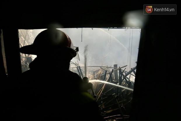 Sân khấu bị cháy dữ dội trước thềm liveshow, anh trai Quang Hà lên tiếng trấn an người hâm mộ - Ảnh 5.