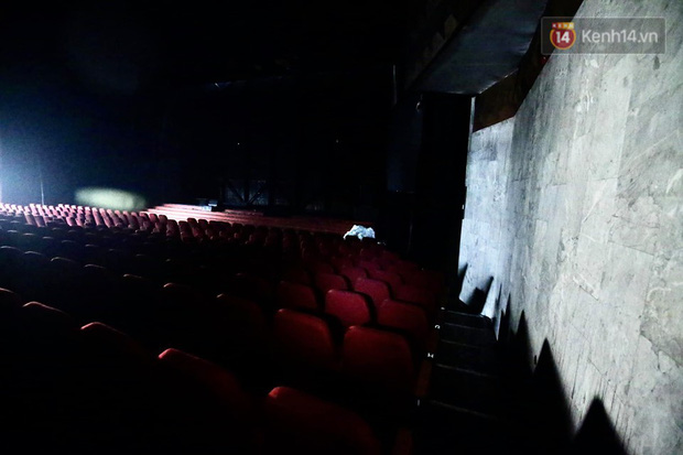 Sân khấu bị cháy dữ dội trước thềm liveshow, anh trai Quang Hà lên tiếng trấn an người hâm mộ - Ảnh 4.