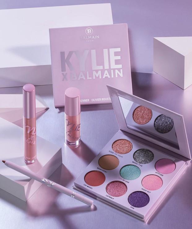 Kylie Jenner bắt tay nhà mốt Balmain cho ra lò BST mỹ phẩm hàng hiệu xịn sò đẹp như mơ - Ảnh 1.