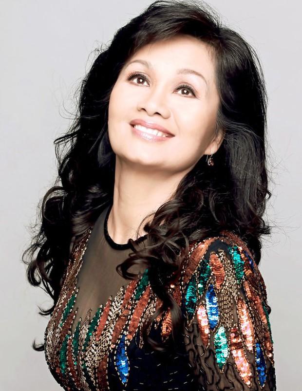 MC Thanh Bạch tiết lộ lý do ly hôn, NS Xuân Hương lập tức phản pháo: Sống với anh, tôi là một ô sin chuyên nghiệp - Ảnh 7.