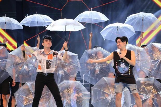 Quang Hà đã chuẩn bị cho liveshow kỉ niệm 19 năm ca hát hoành tráng như thế nào trước khi bị lửa thiêu rụi? - Ảnh 4.