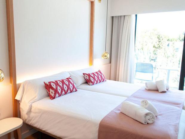 Khách sạn theo phong cách Nữ nhi quốc đầu tiên trên thế giới: Chỉ đón tiếp hội chị em, nói không với phái mạnh - Ảnh 18.