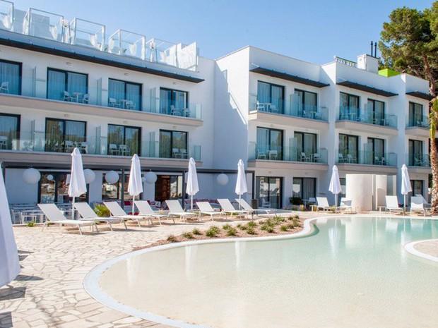 Khách sạn theo phong cách Nữ nhi quốc đầu tiên trên thế giới: Chỉ đón tiếp hội chị em, nói không với phái mạnh - Ảnh 3.