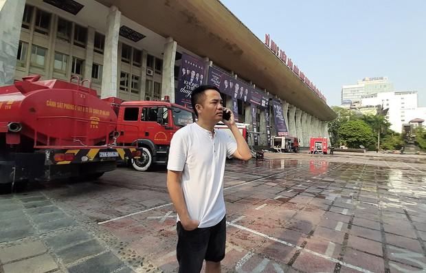 Sân khấu bị cháy dữ dội trước thềm liveshow, anh trai Quang Hà lên tiếng trấn an người hâm mộ - Ảnh 6.