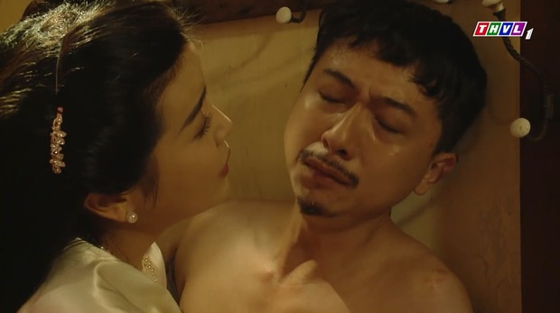 Tiếng Sét Trong Mưa và Hoa Hồng Trên Ngực Trái: Cuộc đụng độ giữa hai phim Việt hot nhất hiện nay! - Ảnh 18.