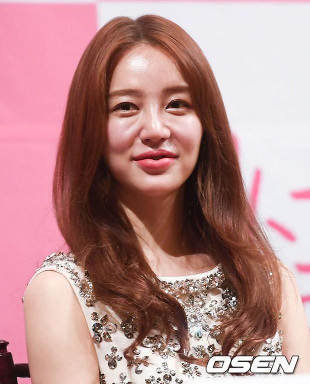 Từng phá nát nét đẹp thanh xuân vì thẩm mỹ, Yoon Eun Hye cuối cùng cũng lấy lại nhan sắc ngọt ngào khi xưa - Ảnh 3.