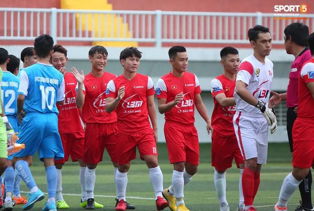 Minh Vương, Ngọc Quang đốn tim fan nữ Sài thành bằng những pha bóng đẳng cấp sân phủi - Ảnh 2.