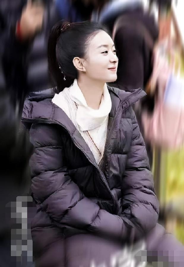 Triệu Lệ Dĩnh và đàn em kém 6 tuổi chung 1 khung hình: Bà xã Phùng Thiệu Phong thua chỉ vì 1 lý do bất ngờ - Ảnh 3.