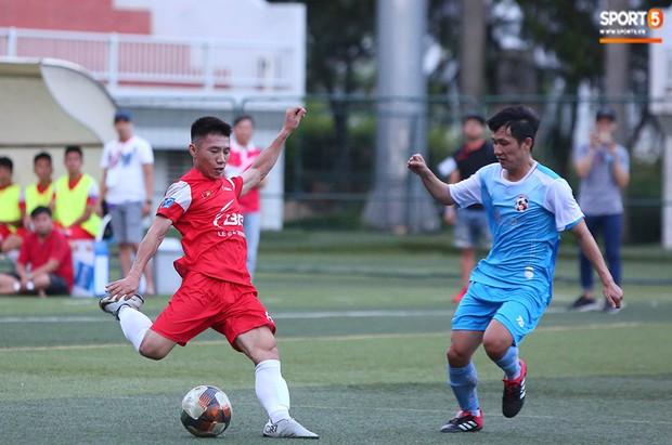Minh Vương, Ngọc Quang đốn tim fan nữ Sài thành bằng những pha bóng đẳng cấp sân phủi - Ảnh 13.