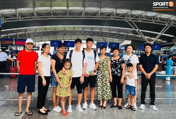 Hạnh phúc như bạn gái Đình Trọng: Được cả gia đình bạn trai ở bên cùng đón sinh nhật - Ảnh 3.