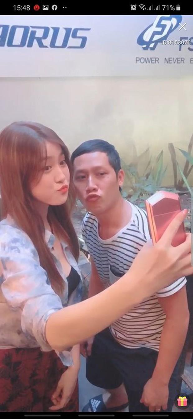 Hot như Thầy Ba, hết được Ngọc Trinh khen lại đến lượt nữ streamer xinh đẹp từ Đài Loan lặn lội sang thăm - Ảnh 7.