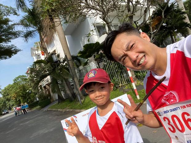 Màn đụng độ lần đầu tiên của Cường Đô La và Kim Lý, cùng đưa Subeo đi chạy marathon gây quỹ từ thiện - Ảnh 4.