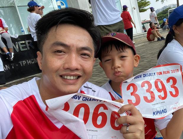 Màn đụng độ lần đầu tiên của Cường Đô La và Kim Lý, cùng đưa Subeo đi chạy marathon gây quỹ từ thiện - Ảnh 5.