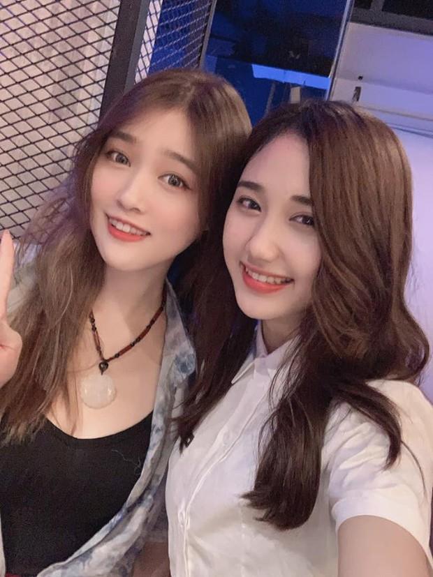 Hot như Thầy Ba, hết được Ngọc Trinh khen lại đến lượt nữ streamer xinh đẹp từ Đài Loan lặn lội sang thăm - Ảnh 6.