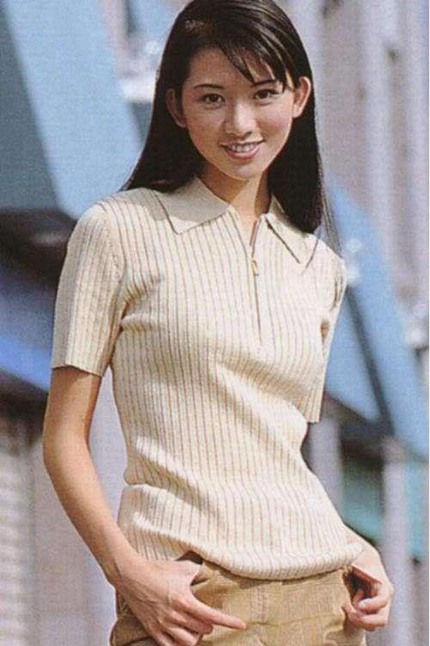 Nhan sắc 29 minh tinh đình đám năm 18 tuổi: Angela Baby - Dương Mịch chạy dài trước Lê Tư - Trương Bá Chi - Ảnh 15.