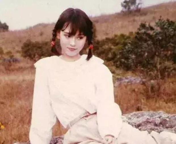 Nhan sắc 29 minh tinh đình đám năm 18 tuổi: Angela Baby - Dương Mịch chạy dài trước Lê Tư - Trương Bá Chi - Ảnh 26.