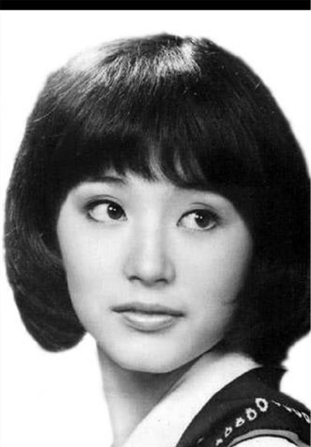 Nhan sắc 29 minh tinh đình đám năm 18 tuổi: Angela Baby - Dương Mịch chạy dài trước Lê Tư - Trương Bá Chi - Ảnh 28.