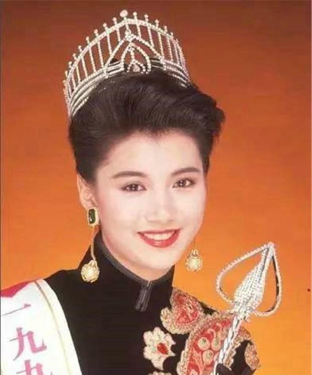 Nhan sắc 29 minh tinh đình đám năm 18 tuổi: Angela Baby - Dương Mịch chạy dài trước Lê Tư - Trương Bá Chi - Ảnh 31.