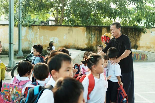 Ông bụt ở Sài Gòn tặng hơn 100 tỷ cho trẻ mồ côi: Nếu đã gọi mấy đứa nhỏ là con thì tiền bạc đừng để trong đầu - Ảnh 8.