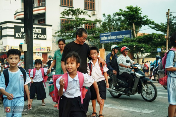 Ông bụt ở Sài Gòn tặng hơn 100 tỷ cho trẻ mồ côi: Nếu đã gọi mấy đứa nhỏ là con thì tiền bạc đừng để trong đầu - Ảnh 11.