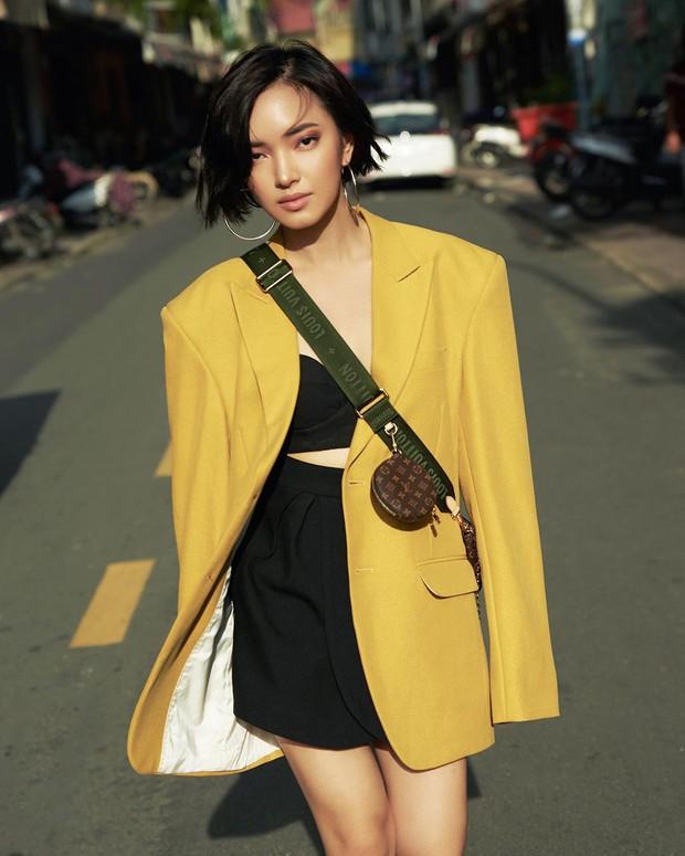 Để diện blazer sexy mà không bị dừ, các nàng nên sắm ngay crop top hoặc áo lót thật xịn - Ảnh 11.