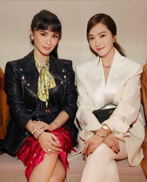 Châu Bùi siêu cá tính, lấn át cả Jessica Jung lẫn bạn thân Hà Tăng tại show Hermès - Ảnh 3.