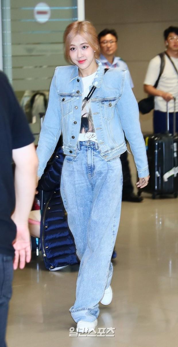 Màn đọ sắc bất ngờ của 2 mỹ nhân BLACKPINK ở sân bay: Jennie như tiểu thư tài phiệt, Rosé bất chấp cả góc dìm hàng - Ảnh 2.