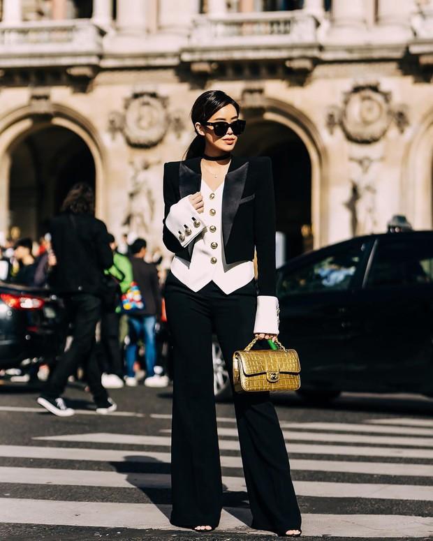 Hội tranh thủ Paris Fashion Week để… đi du lịch: Kỳ Duyên - Tiên Nguyễn ăn uống thả ga, Khánh Linh mang 8 cái vali quần áo để chụp hình - Ảnh 8.