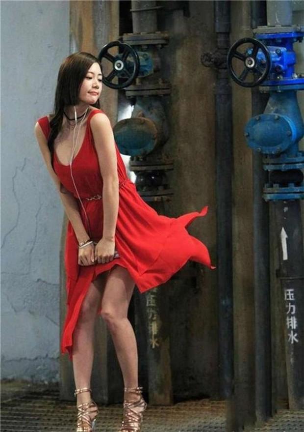 Bức ảnh Xa Thi Mạn lép vế toàn tập vì người đẹp ngực khủng bất ngờ hot trở lại: Hóa ra là Đệ nhất mỹ nhân châu Á - Ảnh 6.