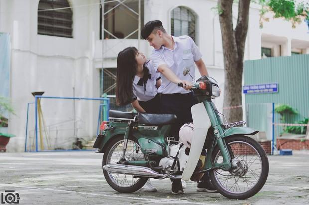 Nhà cách nhau hơn 10km nhưng mỗi sáng vẫn sang chở bạn gái đi học, chuyện tình học trò lãng mạn nhất là đây - Ảnh 3.